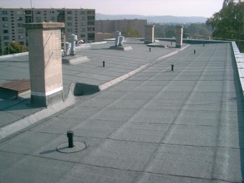 Reference - ploché střechy panelových domů - detail